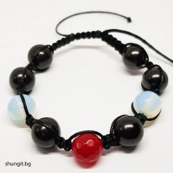 Гривна шамбала от шунгит , лунен камък и естествен рубин