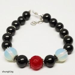 Гривна от шунгит, лунен камък и естествен рубин