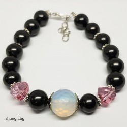 Гривна със шунгит, лунен камък и кристали  Сваровски