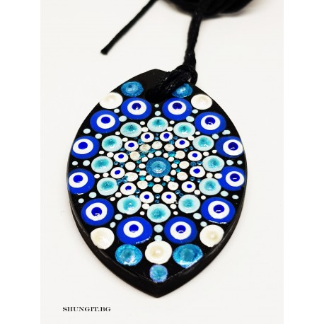 Медальон от шунгит  с нарисувана Мандала