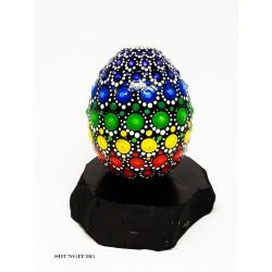 Яйце от шунгит с рисувани елементи Мандала