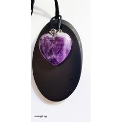 Медальон от шунгит със сърце от аметист